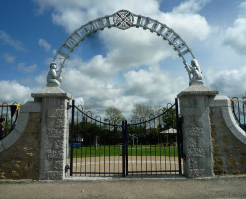 Metal sculptural heritage archway made by Thrussells. Public Art Cornwall