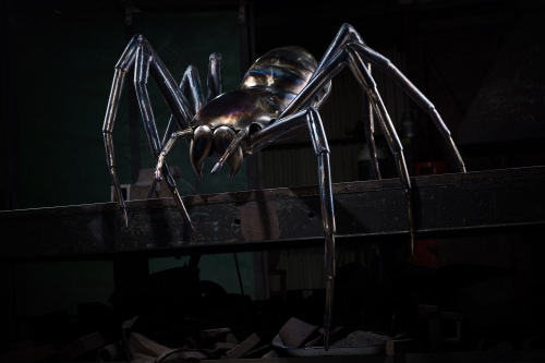 giant metal spider made by thrussells